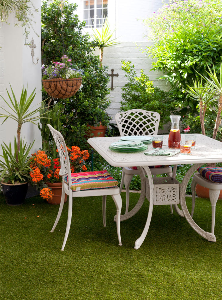 COURTYARD - artificial grass - SA Garden and Home