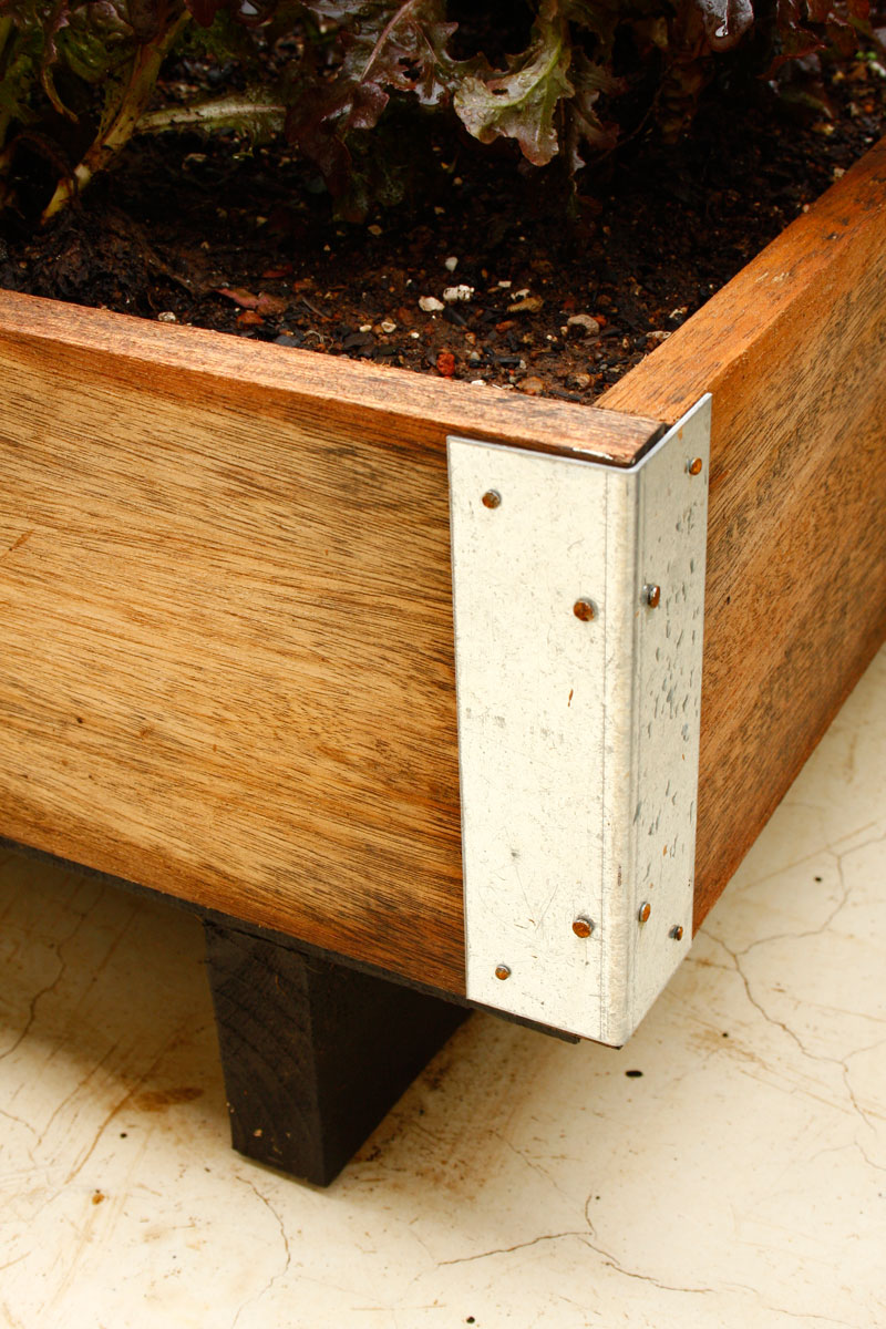 Make a planter box - growing veggies in containers