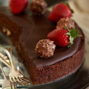 LINDT-CHOCOLATE-CAKE