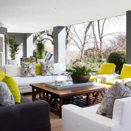 Tour this traditional yet trendy Jo'burg home