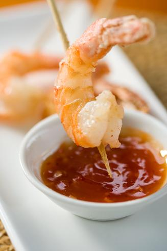 DEEP-FRIED PRAWNS WITH SWEET CHILLI SAUCE