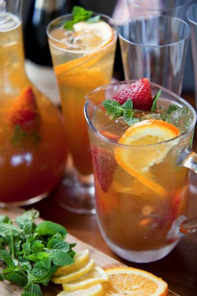 CHAMPAGNE ICED TEA COCKTAIL