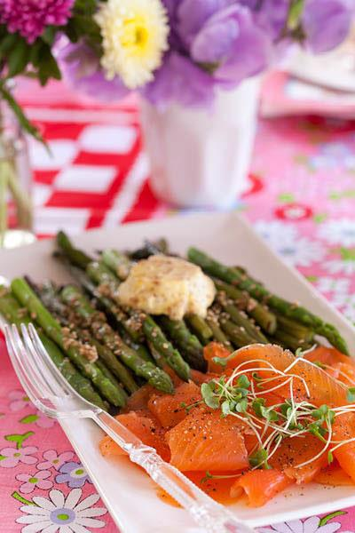 SESAME-ROASTED ASPARAGUS WITH MUSTARD BUTTER AND SALMON