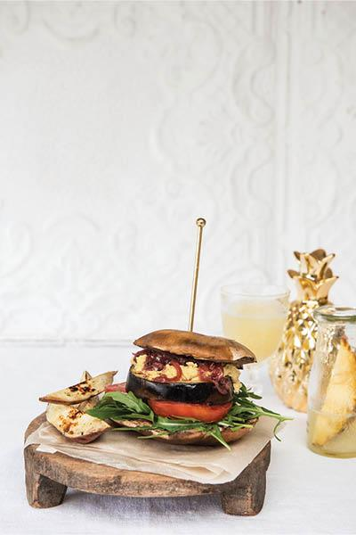 MEAT & WHEAT FREE BRUNCH BURGER