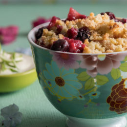 fruit-and-berry-crumble