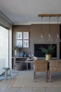 Mod classic Franschhoek house garden room