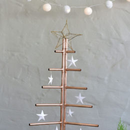Make a Christmas tree from copper piping
