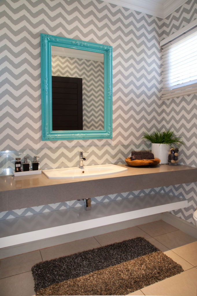 9-small-bathroom small space living