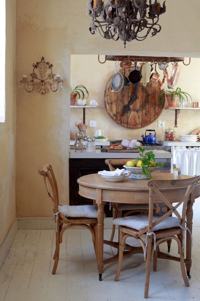 A restored cape town home sa garden and home for Kitchen accessories cape town