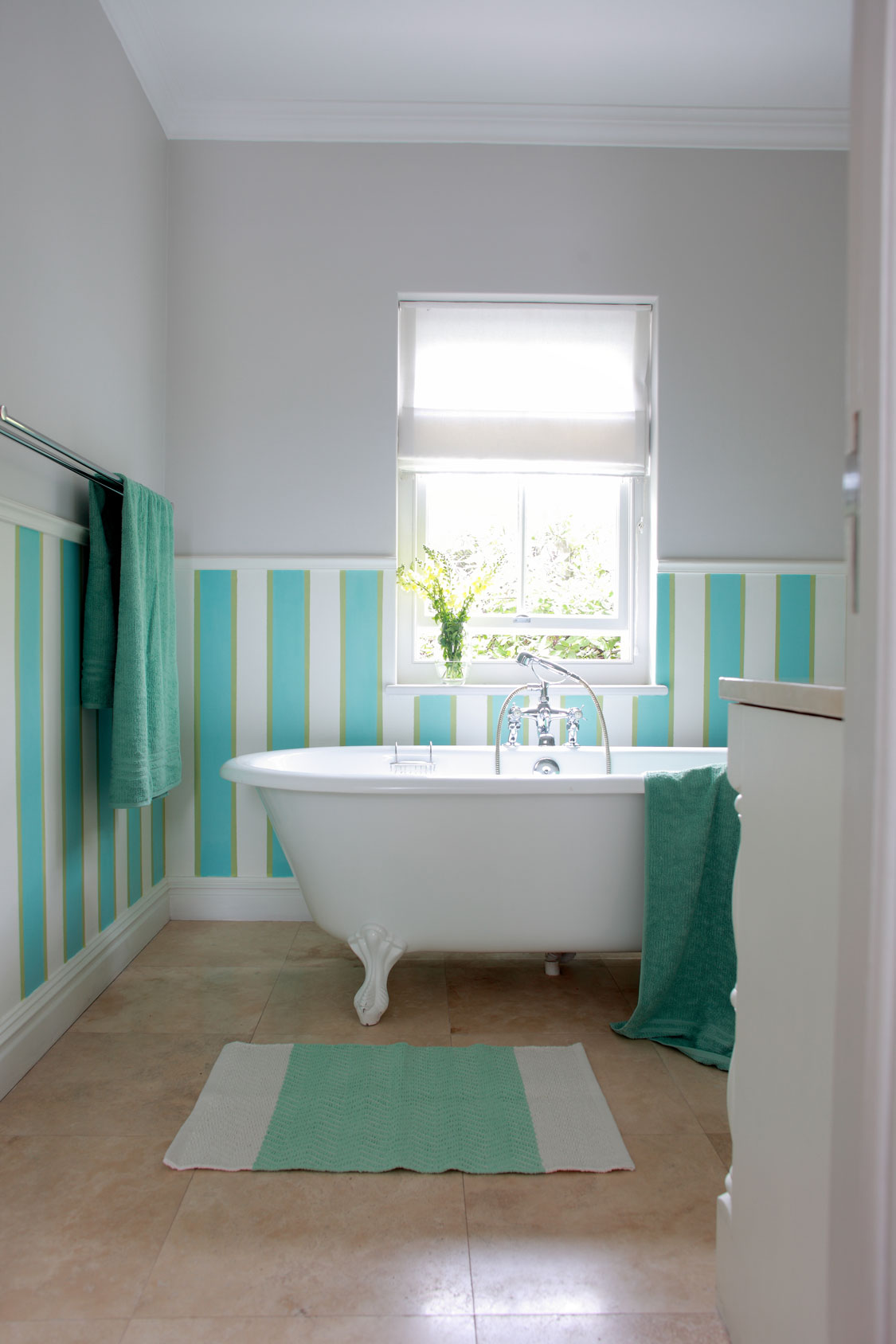 10 Easy Bathroom Decor Ideas