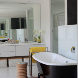 Bathroom decor ideas: storage