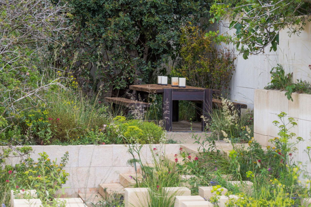 Rhs chelsea flower show gardens sa garden and home Colorado home and garden show