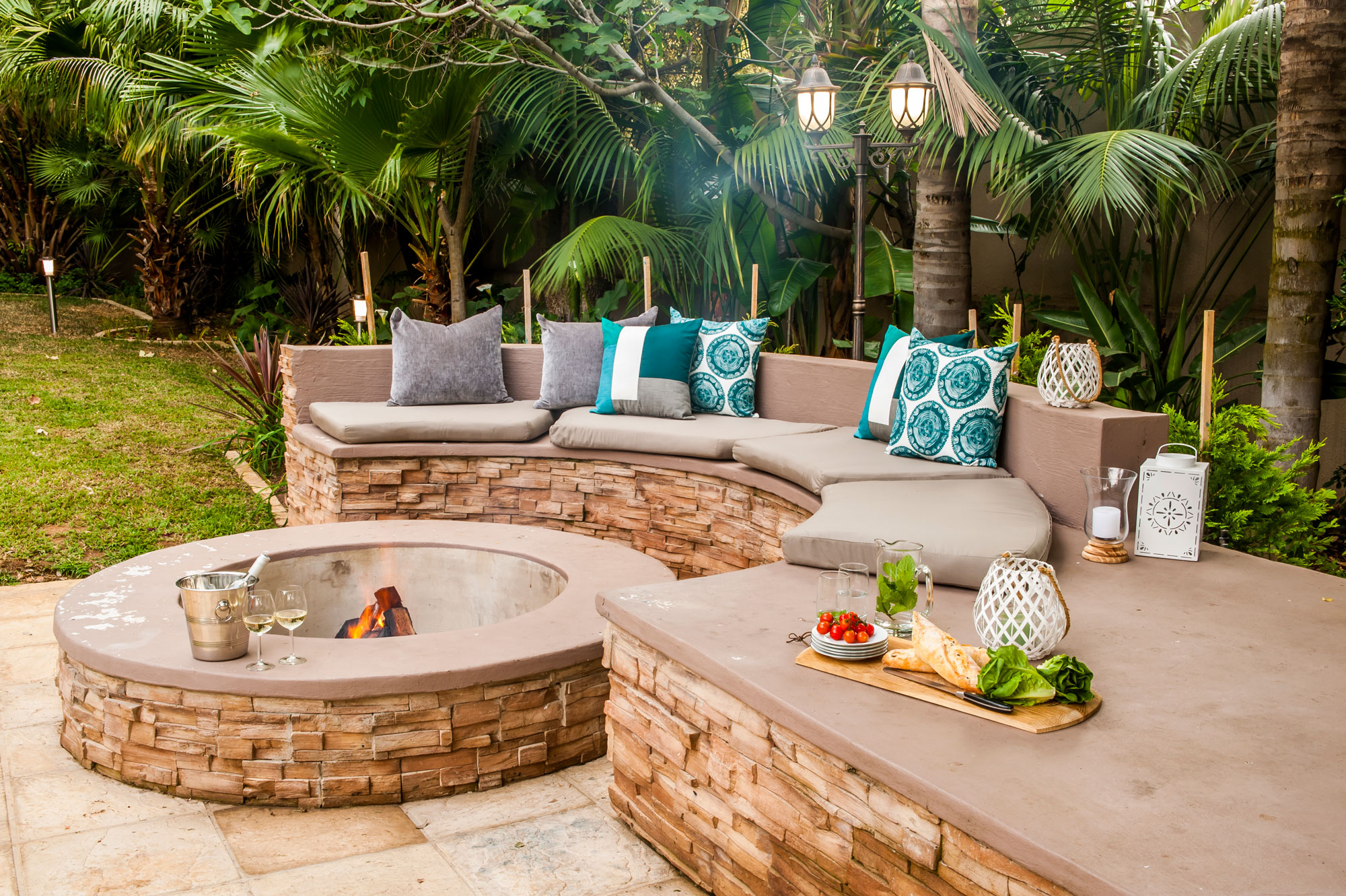How To Build A Firepit Sa Garden And Home