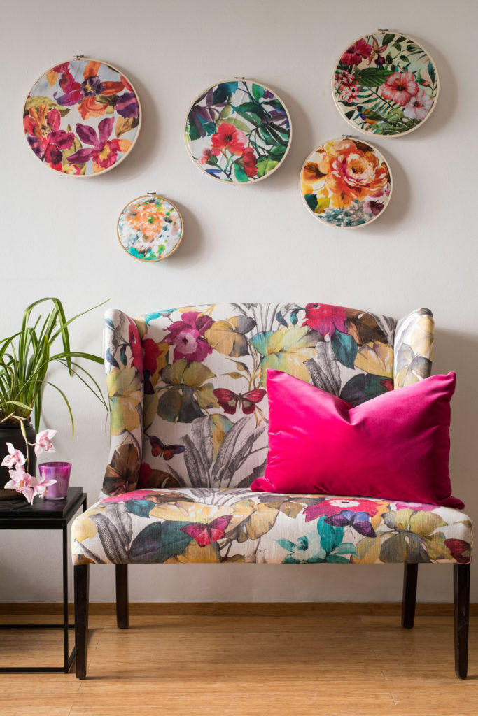 Add-floral-touches-to-your-home_couch