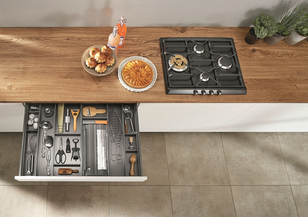 Tips for designing your dream kitchen_5 Blum_utensil drawer