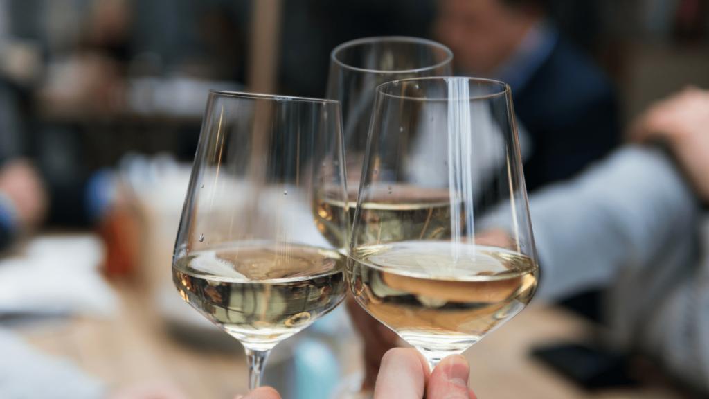 Wine trends_white wine-min