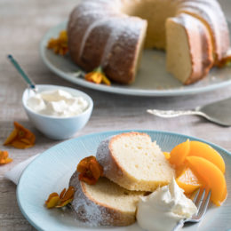 Italian fresh cream lemon cake