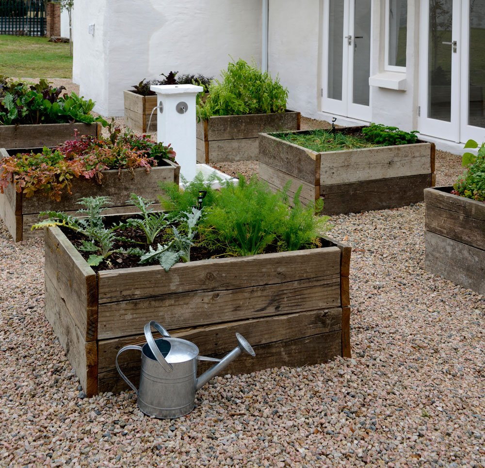 10 Ways To Style Your Very Own Vegetable Garden: DIY: Make A Stylish Container Veggie Garden