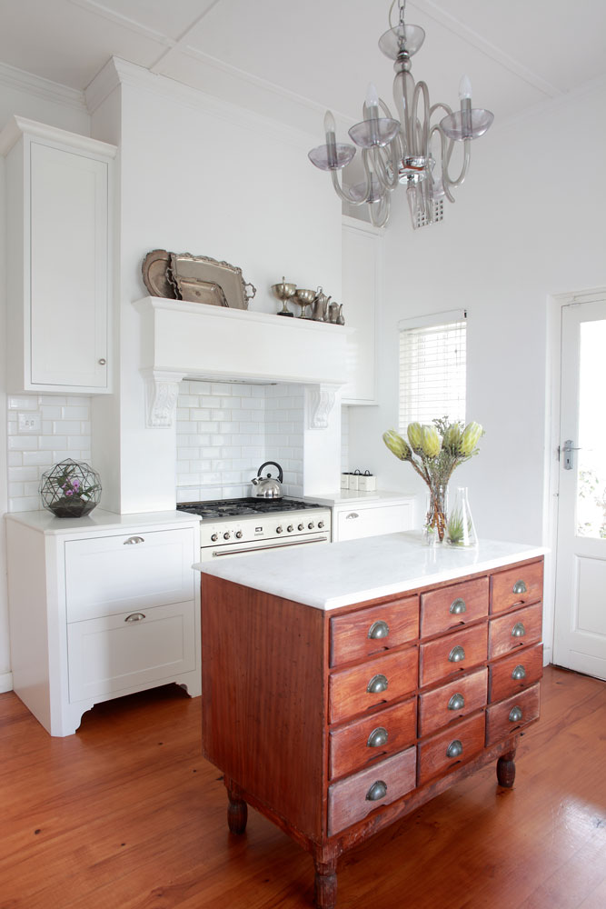 Clever tricks to maximise space in small kitchens - centre stage