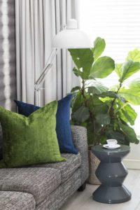 arrange scatter cushions 2