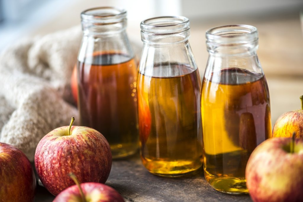 home hacks apple cider vinegar